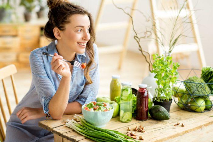 Dentist in Manassas | Woman eating healthy